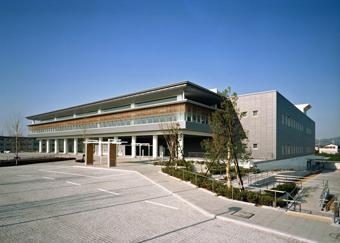 奈良県立図書情報館 外観写真(東から北側)