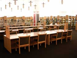 奈良 県立 図書 情報 館